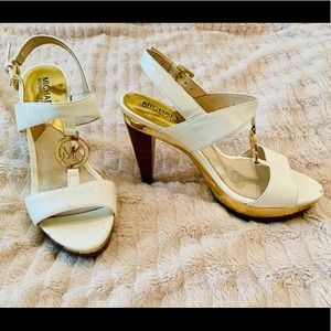 MICHAEL Michael Kors Shoes - Original Michael Kors White/Gold Pumps
